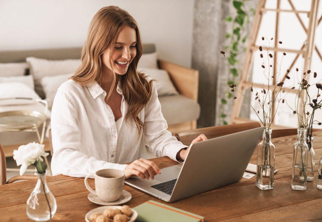 Ako zefektívniť prácu z domu a vytvoriť si vhodné pracovné prostredie