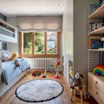 detská izba so vstavanou skriňou, poschodovou posteľou s úložnými priestormi