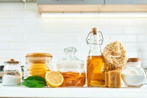 Čo špajza dala. 7 receptov na čistiace prostriedky zo surovín, ktoré máte bežne doma