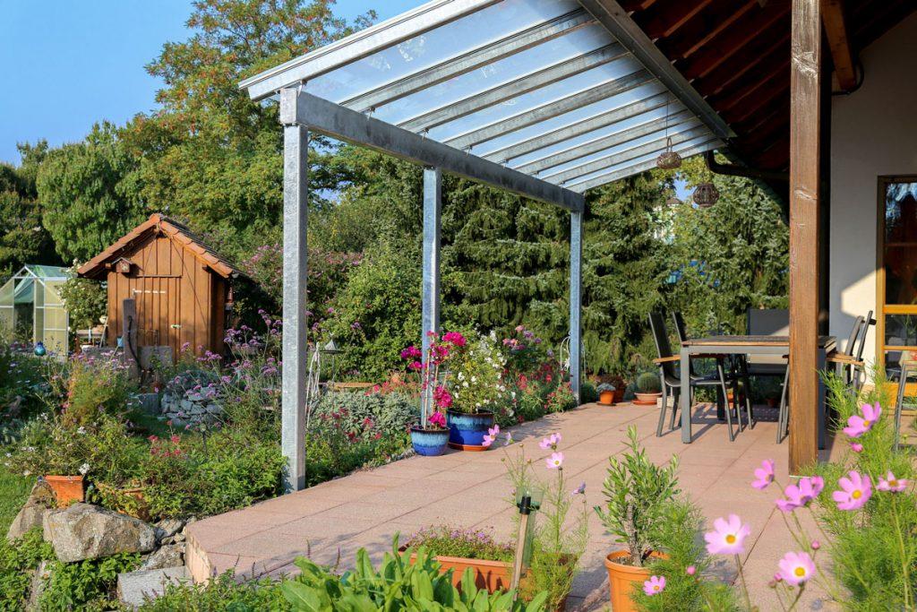 Záhradná terasa s hliníkovou pergolou