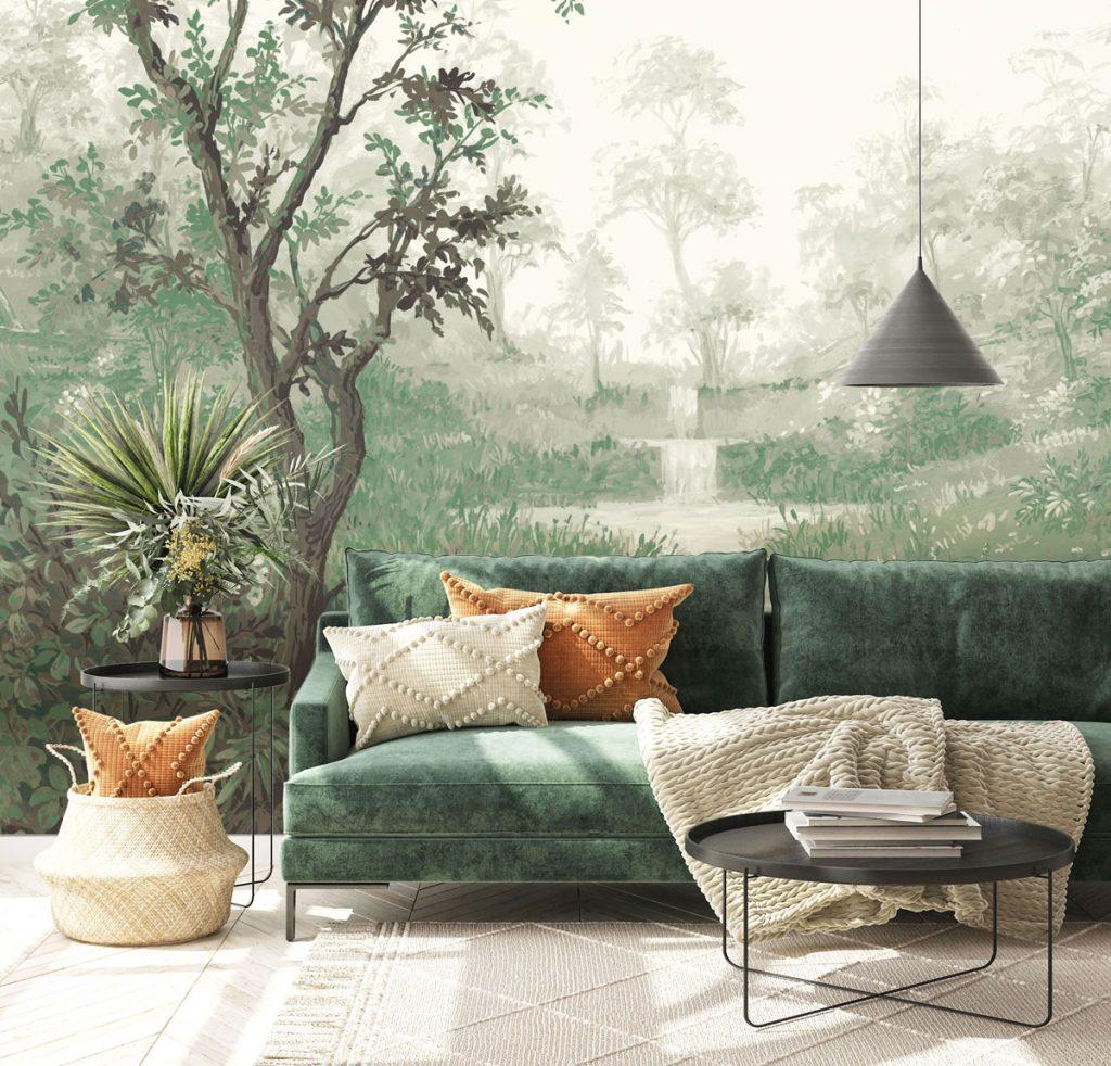 interiér so smaragdovo zelenou sedačkou, konferenčnými čiernymi stolíkmi a tapetou s motívom prírody a ilúziou priestoru