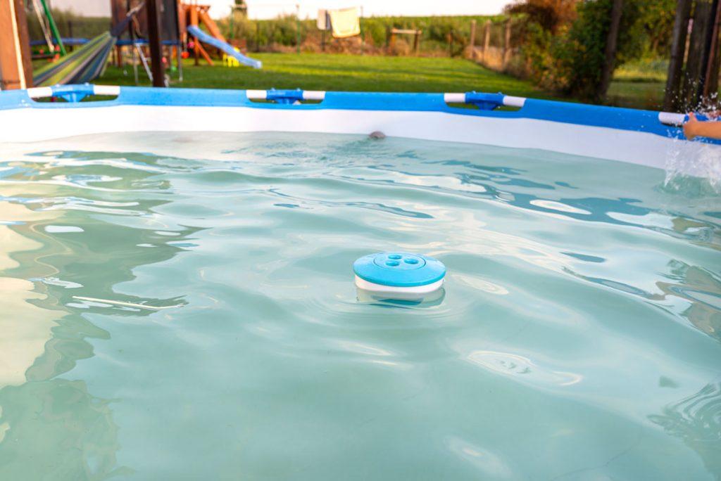 Mliečna voda v bazéne