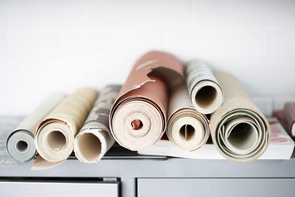 Rôzne druhy tapiet na skrinke