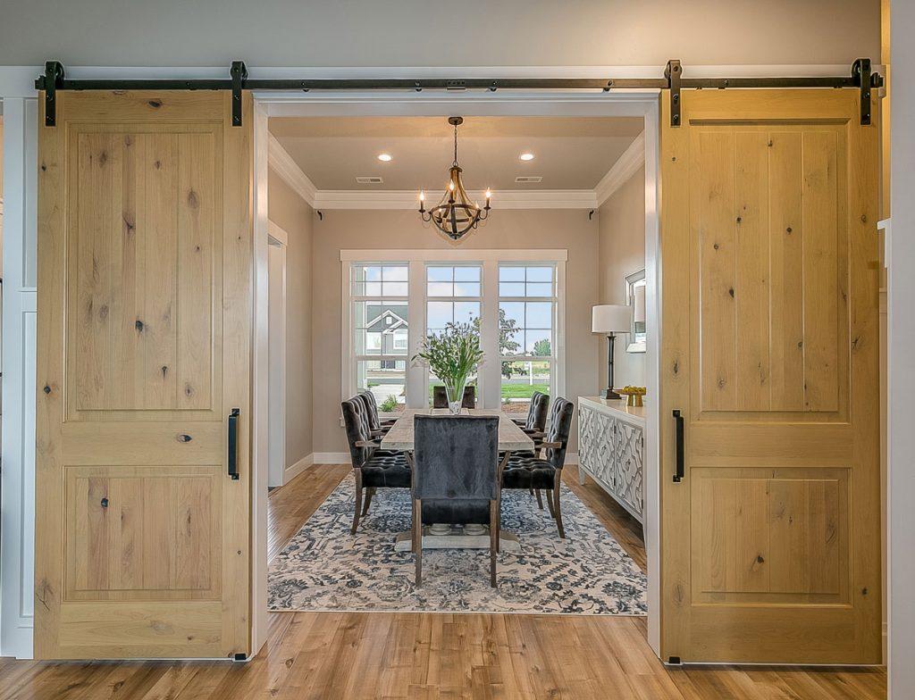 Týchto 6 vecí zohľadnite pri výbere interiérových dverí