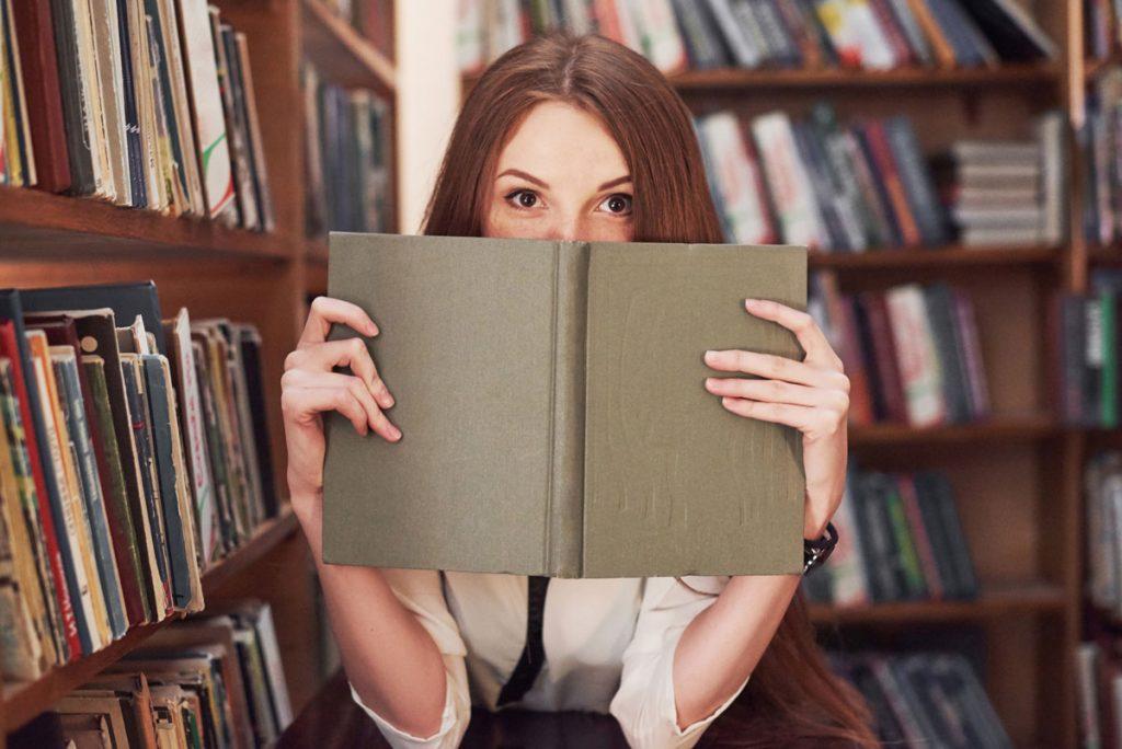 Neviete už, kam s knihami? Máme tip na miesto, kde budú vyzerať perfektne!