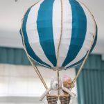 ručne vyrobená lampa do detskej izby v tvare balóna z kvetináča a poťahu